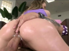 Bubble butt girl Madison Chandler rammed by massive cock