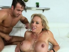 dr-racquel-sultra-ingesting-sperm-to-easen-her-agony