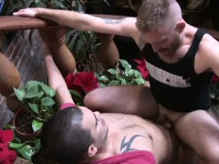 twinks-suck-and-fuck-in-works-break-time