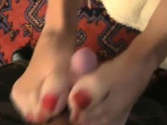 amazing-footjob-from-milf-to-soldier