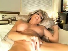 horny-milf-has-fun-with-her-pussy