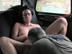 uk-beauty-bangs-in-fake-taxi