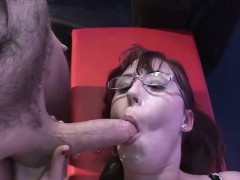 nerdy-girl-loves-cum-on-her-glasses