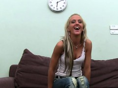 stunning-playgirl-offers-sex-service-during-job-interview