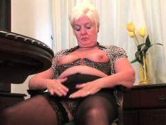 british-milf-amy-fulfills-her-honey-pot-s-cravings