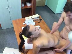 nurse bangs stud while doctor is out – سكس اجنبي الممرضة والمريض نيك ساخن