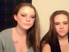 cute-lesbian-couple-live