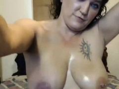 mature-housewife-marian-squirting-live-on-webcam