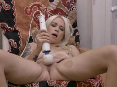hot-blonde-with-big-pussy-lips-masturbates-to-orgasm
