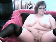 hot-granny-webcam-teasing