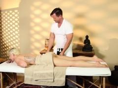 very-tricky-spa-of-sleek-masseur