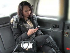 asslicking-ebony-fucks-cabbie-to-pay-her-fare