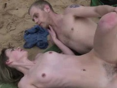 sex on the beach for amateur aussie couple