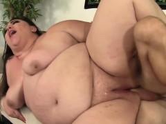 bbw-bella-bendz-takes-a-hard-cock-in-her-twat