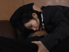 yui-aina-gets-cum-on-mouth