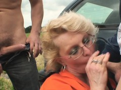 granny-double-penetration-outdoor