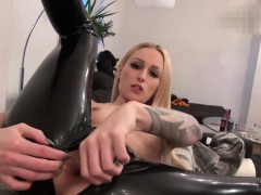 naughty-hotties-net-2-minute-anal-challenge