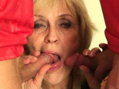 two-buddy-fuck-her-old-pussy-and-mouth