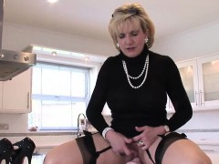 cheating-english-mature-lady-sonia-shows-her-huge-hooters