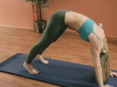 yoga-session-with-hot-big-boobs-blonde-trainer-khloe-terae