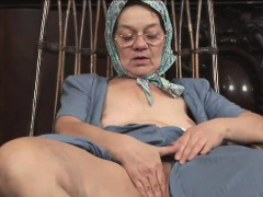 sexy granny has her wet pussy rammed