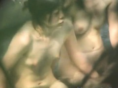 spy-on-naked-japanese-women