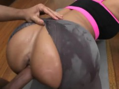 Gym Lovers Fuck Their Well Hung Instructors