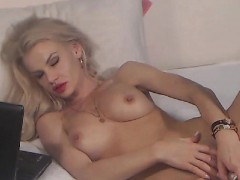 sweet-blonde-babe-show-her-wetpussy