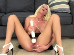 Bodacious Blonde Riley Jenner Making Herself Cum Hard With A Sex Toy