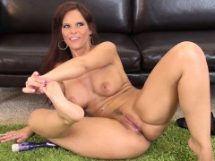 cock-starving-mom-with-big-boobs-syren-de-mer-is-longing-for-pleasure