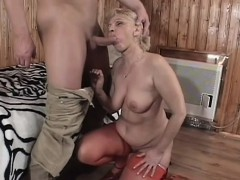 sexy granny gets fingered, blows his rod and gets her muffin drilled