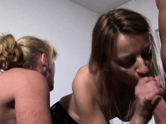 reifeswinger-mature-swinger-sluts-in-threesome-german