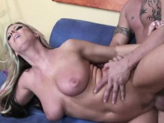 horny-carolyn-reese-has-a-lot-of-dirty-skills