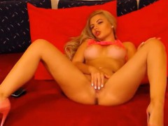 bigtits-blonde-sexy-webcamgirl