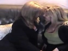 2-gorgeous-mature-ladies-eating-ea-jame-from-1fuckdatecom