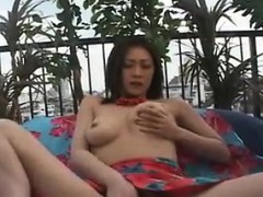 bodacious-beauty-uses-her-favorite-toys-to-bring-her-pussy