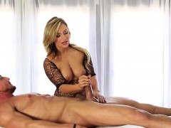 blonde-masseuse-strokes