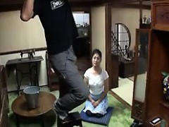 lovely-asian-maid-with-a-luscious-ass-sits-on-the-floor-bef
