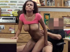 beautiful-babe-fucked-in-the-pawnshop