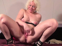 mature-cougar-squirts-like-young-g-carmel