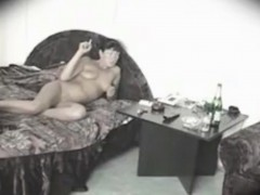 my-mom-naked-in-a-hotel-room