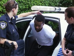 miami-female-police-on-the-prowl