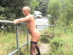nudity-by-motorway