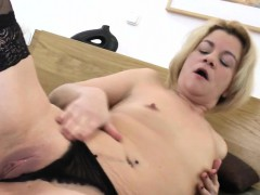 amateur-wife-fucks-her-ass-and-sli-jannie