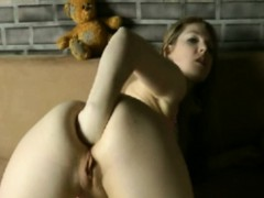 german-girl-fisting-ass-on-webcam-freefetishtvcom