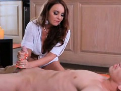 big-boobs-mom-gives-the-best-spa-treatment-to