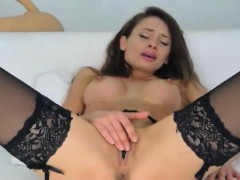 smoking-hot-russian-babe-masturbates-on-cam