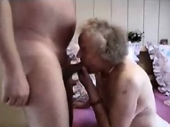 Grandmother having a good time – Videos XXX Incesto