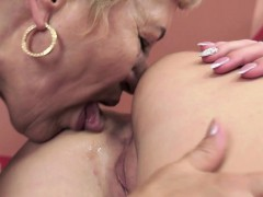 euro-grandma-pussylicked-by-tattooed-babe