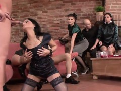 kinky-dudes-pee-all-over-hot-babes